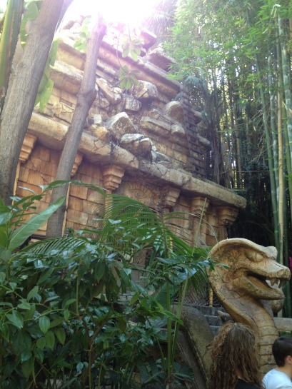 Just look at this temple surrounded by magnificent bamboo.
