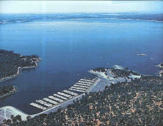 Folsom Lake when full with marina in the foreground. Image Credit: www.discovergold.org